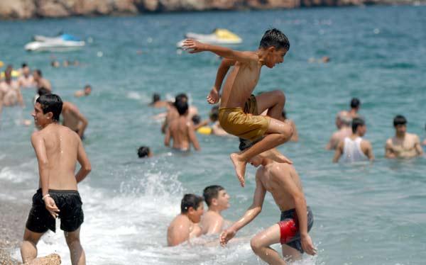 Yurdum insanı plajda 14