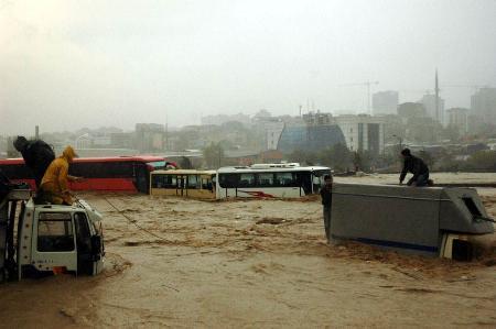 İstanbul'da sel kurbanlarının sayısı artıyor 11