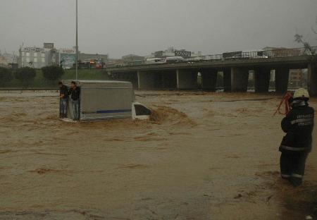 İstanbul'da sel kurbanlarının sayısı artıyor 13