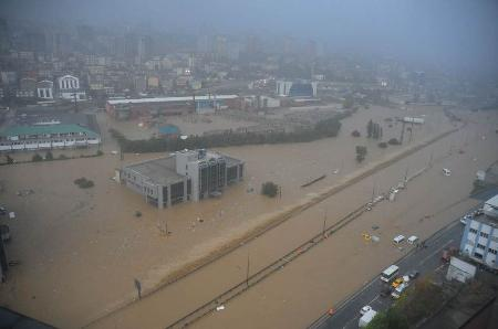 İstanbul'da sel kurbanlarının sayısı artıyor 2