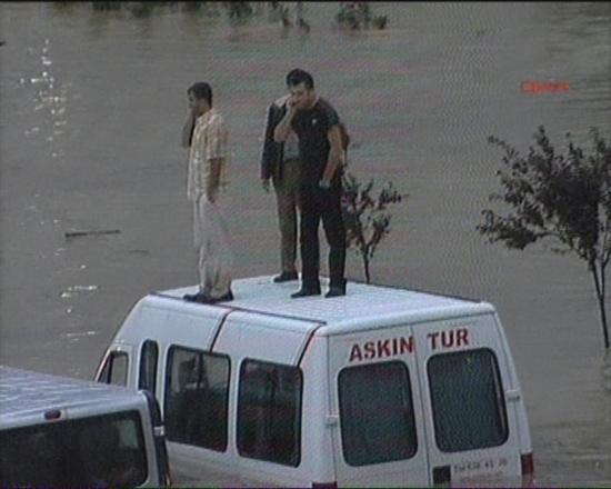 İstanbul'da sel kurbanlarının sayısı artıyor 20