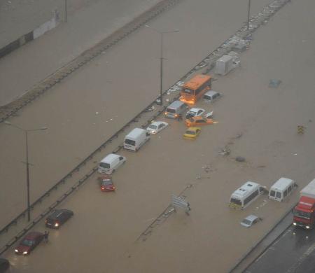 İstanbul'da sel kurbanlarının sayısı artıyor 4