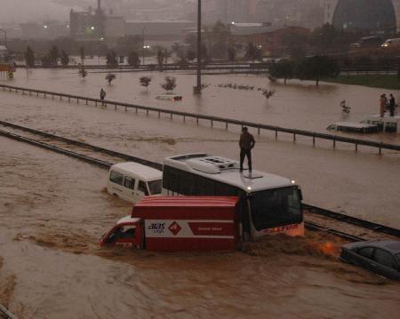 İstanbul'da sel kurbanlarının sayısı artıyor 5