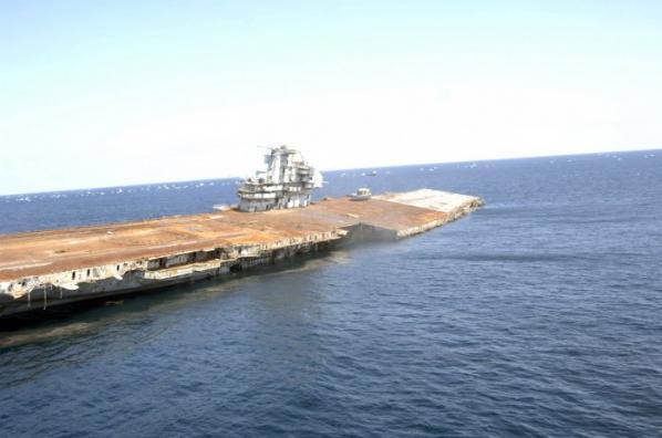 Amerikan Savaş Gemisi Böyle Battı 11