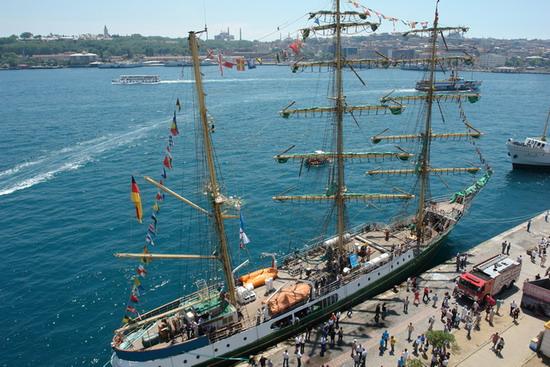 Boylu Soylu yelkenler İstanbul'da 10