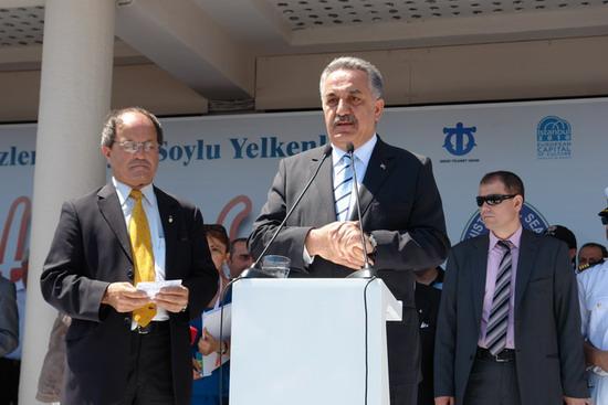 Boylu Soylu yelkenler İstanbul'da 17