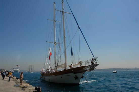 Boylu Soylu yelkenler İstanbul'da 2