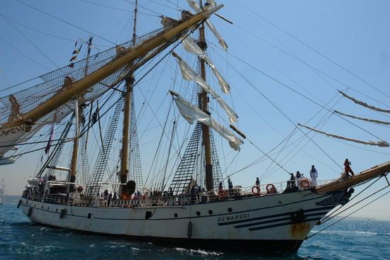 Boylu Soylu yelkenler İstanbul'da 3