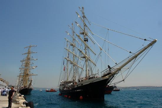 Boylu Soylu yelkenler İstanbul'da 9