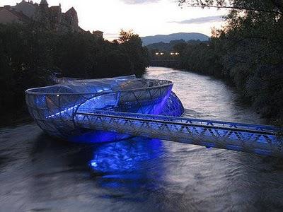 İşte dünyanın en sıradışı köprü tasarımları 1
