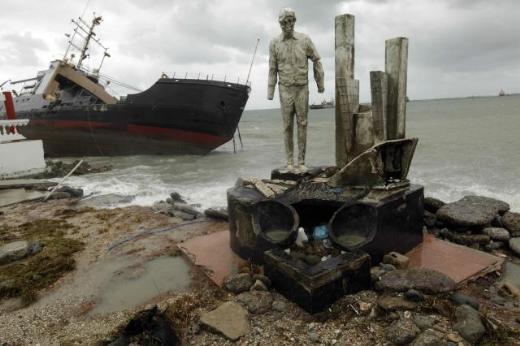 6 gemi Panama'da karaya oturdu 2