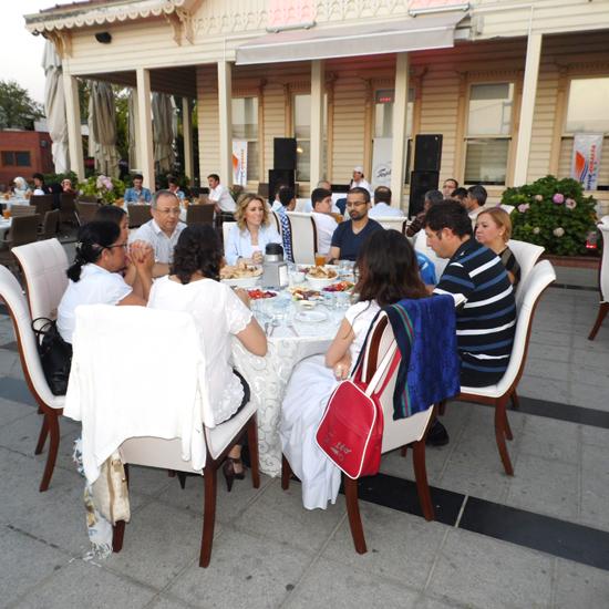 Dentur Avrasya ailesi iftarda buluştu 4