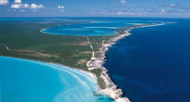 Okyanusu 3 renge ayıran Eleuthera adası 1