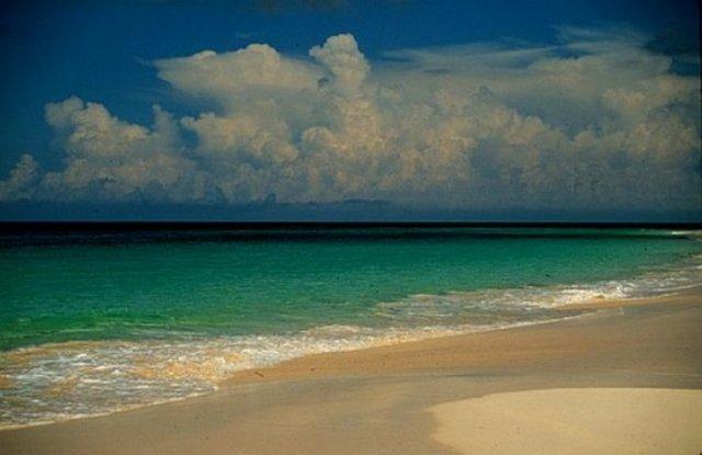 Okyanusu 3 renge ayıran Eleuthera adası 6