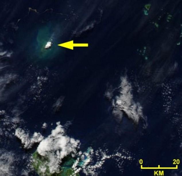 Deniz dibinde yanardağ patladı 4