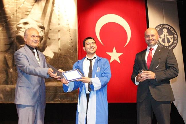PRÜ, ilk mezunlarını dünya denizlerine armağan etti 30
