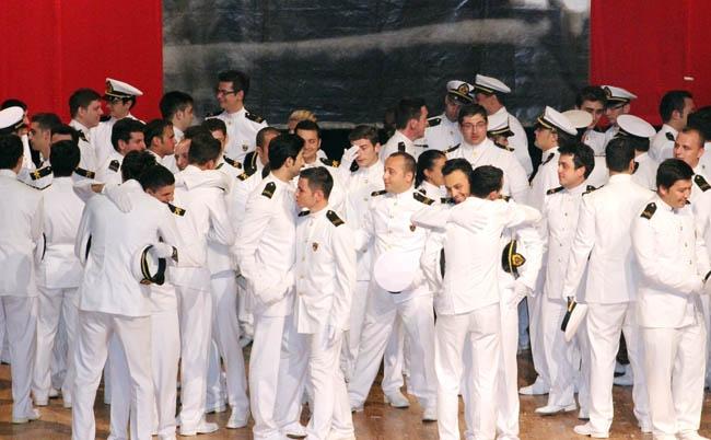 PRÜ, ilk mezunlarını dünya denizlerine armağan etti 44