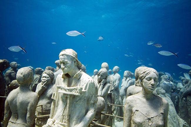 Dünyanın en büyük sualtı müzesi 1