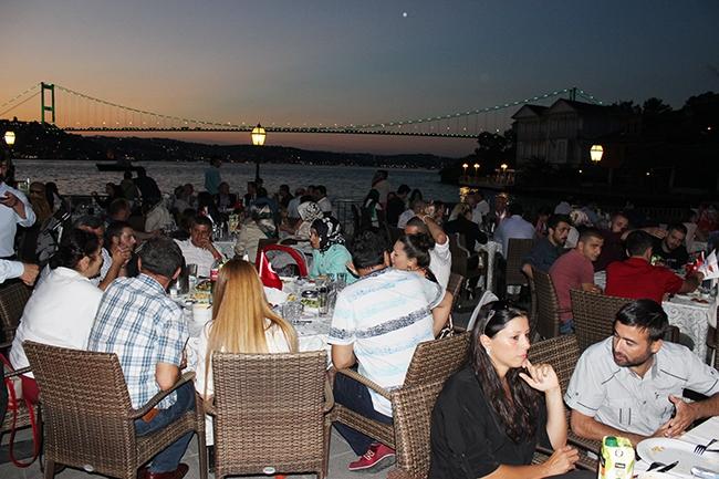 Dentur Avrasya'nın iftar yemeğinde deniz ulaşımı bir araya geldi 3