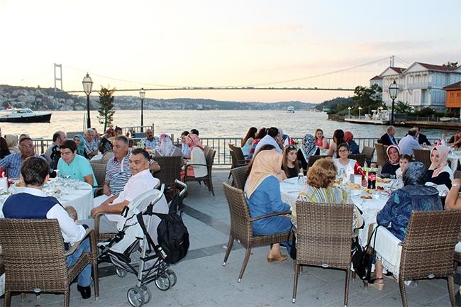 Dentur Avrasya'nın iftar yemeğinde deniz ulaşımı bir araya geldi 5