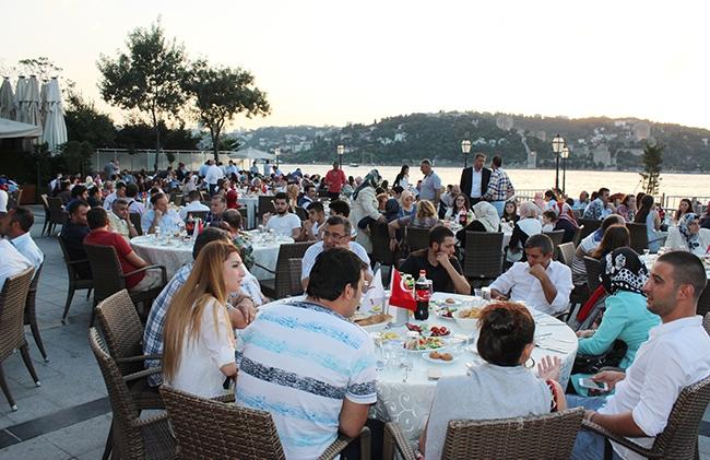 Dentur Avrasya'nın iftar yemeğinde deniz ulaşımı bir araya geldi 7