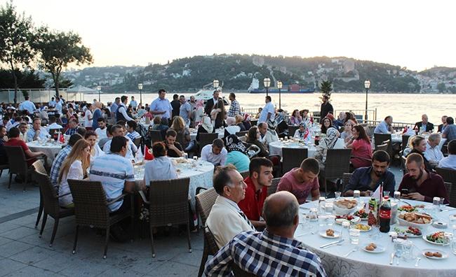 Dentur Avrasya'nın iftar yemeğinde deniz ulaşımı bir araya geldi 9