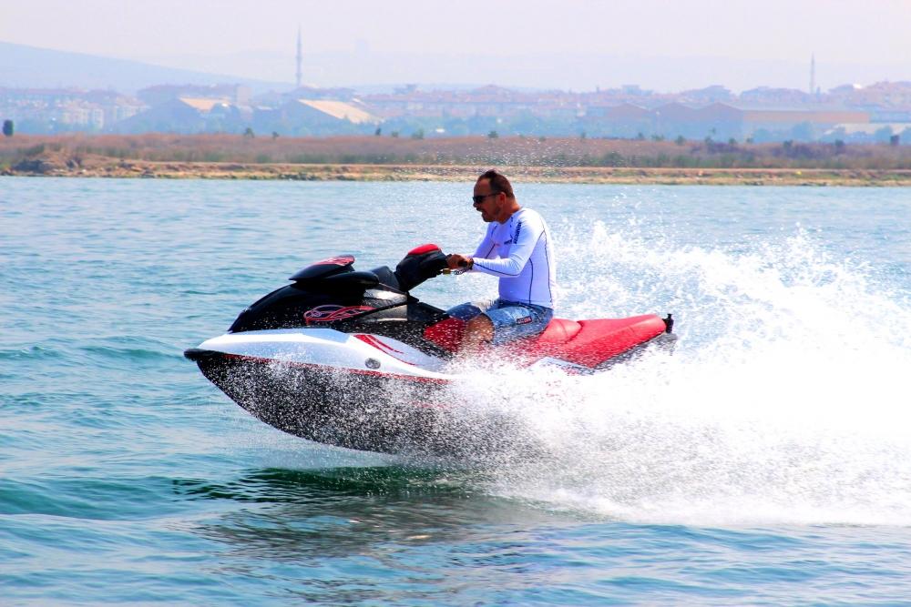 Jet-ski tutkunları Marmara'da buluştu 1