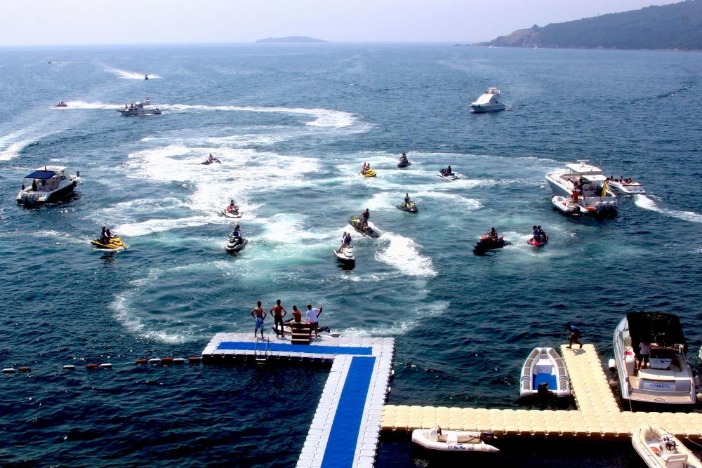Jet-ski tutkunları Marmara'da buluştu 8