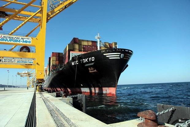 Asyaport'a ilk gemi yanaştı 1