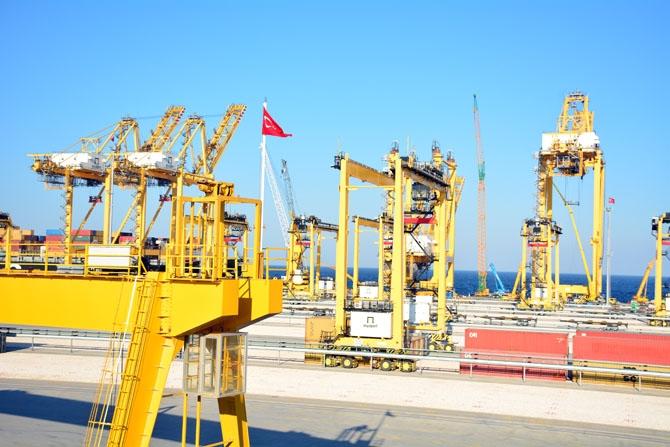 Asyaport'a ilk gemi yanaştı 22
