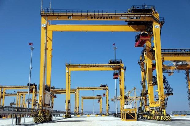 Asyaport'a ilk gemi yanaştı 5