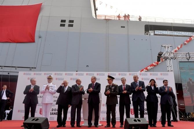 TCG Bayraktar denize indi 12