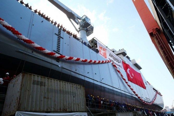 TCG Bayraktar denize indi 2