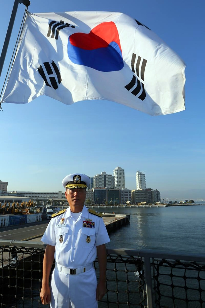 Kore Donanması'na ait iki gemi İzmir'e geldi 10
