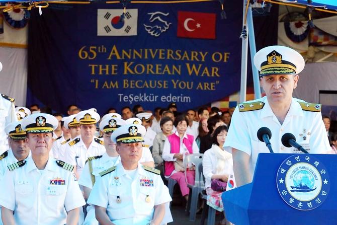 Kore Donanması'na ait iki gemi İzmir'e geldi 3
