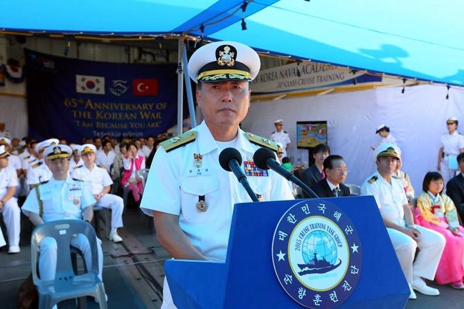 Kore Donanması'na ait iki gemi İzmir'e geldi 7