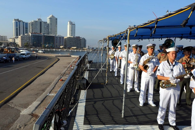 Kore Donanması'na ait iki gemi İzmir'e geldi 9
