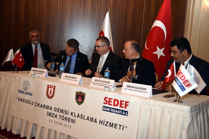 Türkiye'nin en büyük askeri gemisi için imzalar atıldı 12