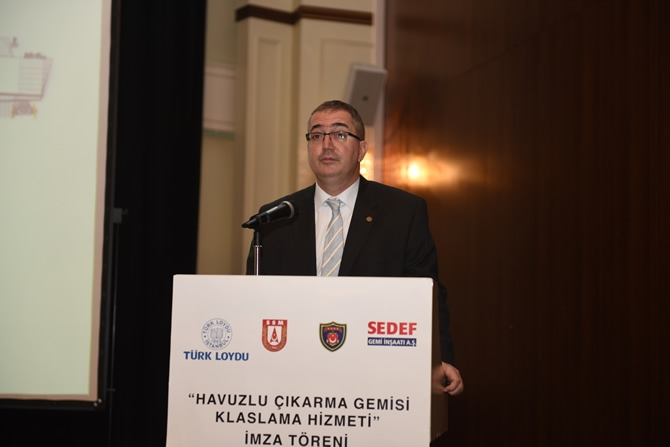 Türkiye'nin en büyük askeri gemisi için imzalar atıldı 5