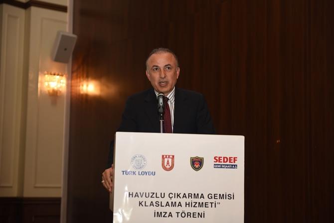 Türkiye'nin en büyük askeri gemisi için imzalar atıldı 7