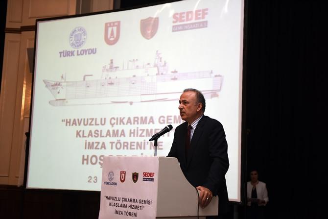 Türkiye'nin en büyük askeri gemisi için imzalar atıldı 8