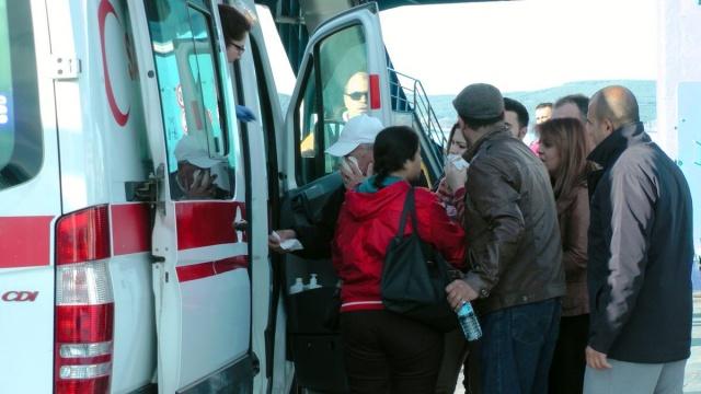 Çanakkale'de araba vapuru iskeleye çarptı 2
