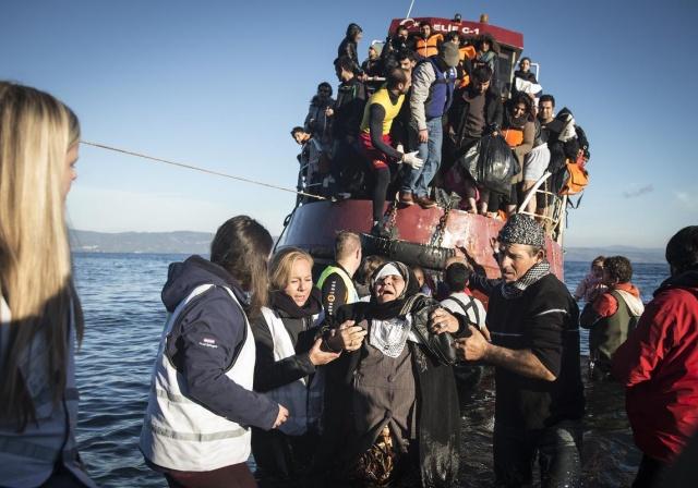 Karaya ulaşan sığınmacıların mutlu sonu 13