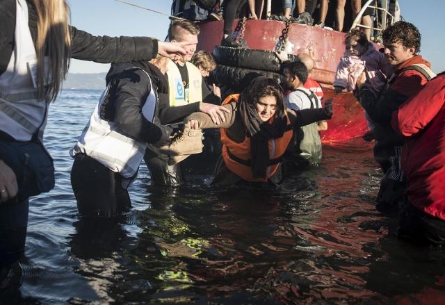 Karaya ulaşan sığınmacıların mutlu sonu 15