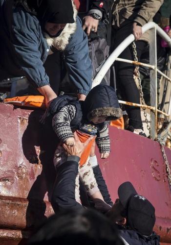 Karaya ulaşan sığınmacıların mutlu sonu 32