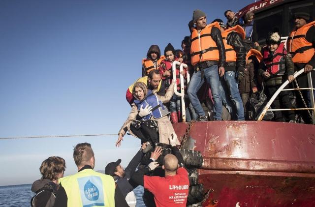 Karaya ulaşan sığınmacıların mutlu sonu 6