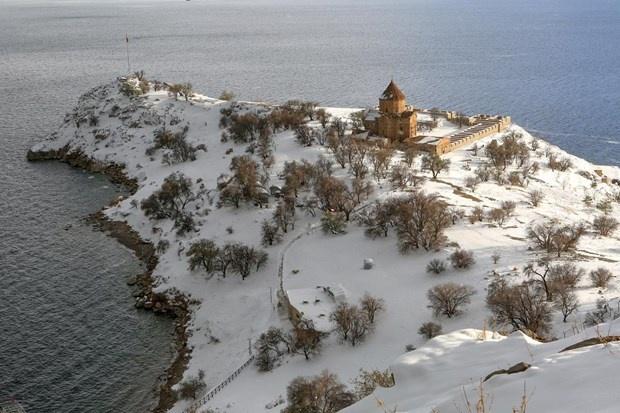 Akdamar Adası'nın güzelliği büyülüyor 12