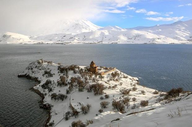 Akdamar Adası'nın güzelliği büyülüyor 13