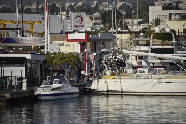 Mülteci teknesi battı: 4 ölü 2