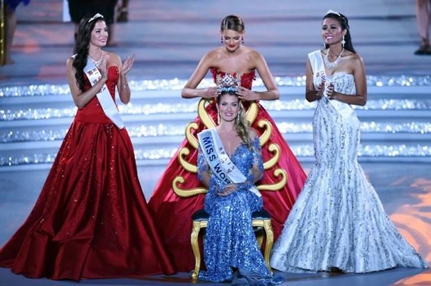 Dünyanın en güzeli İspanya'dan 24